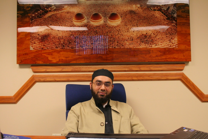 Demand for US-born imams up as mosques struggle to retain new generation of American Muslims
