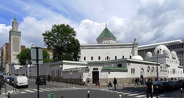 "At the Great Mosque of Paris, future imams ""unload their baggage"""