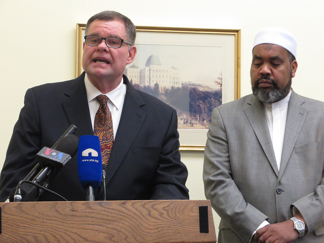 Evangelicals and Muslims together denounce Franklin Graham's anti-Muslim remarks