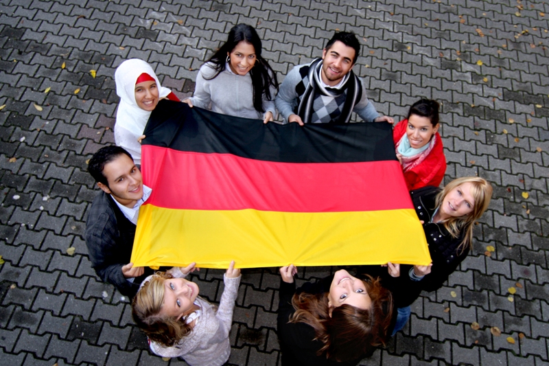 New data on charitable involvement in refugee help shows German Muslims' civil society activism